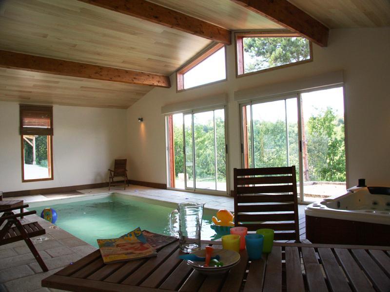 Maison Piscine Intérieure - Jacuzzi - Sauna proche Sarlat