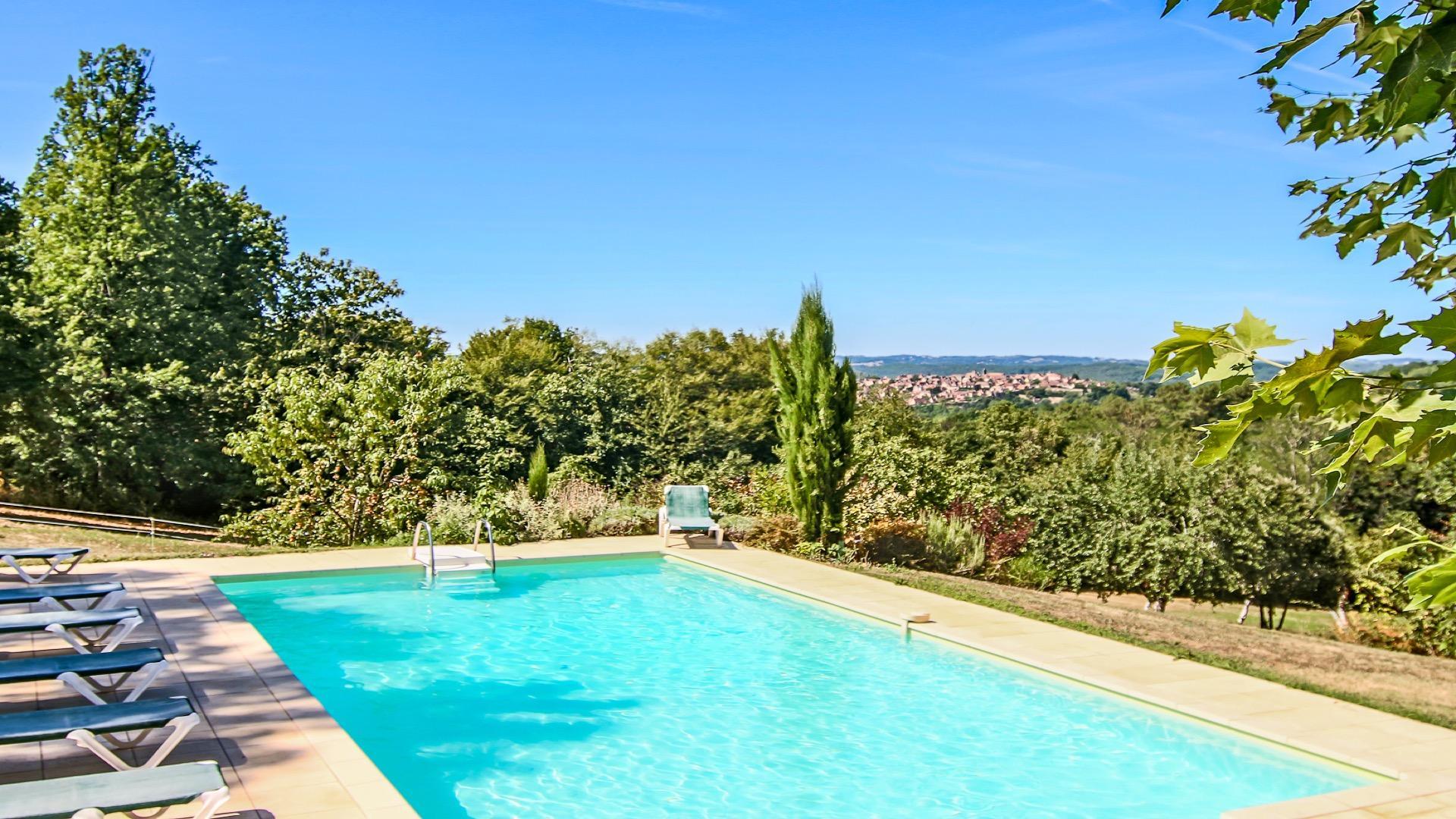 Gîte avec piscine chauffée- vue sur  DOMME