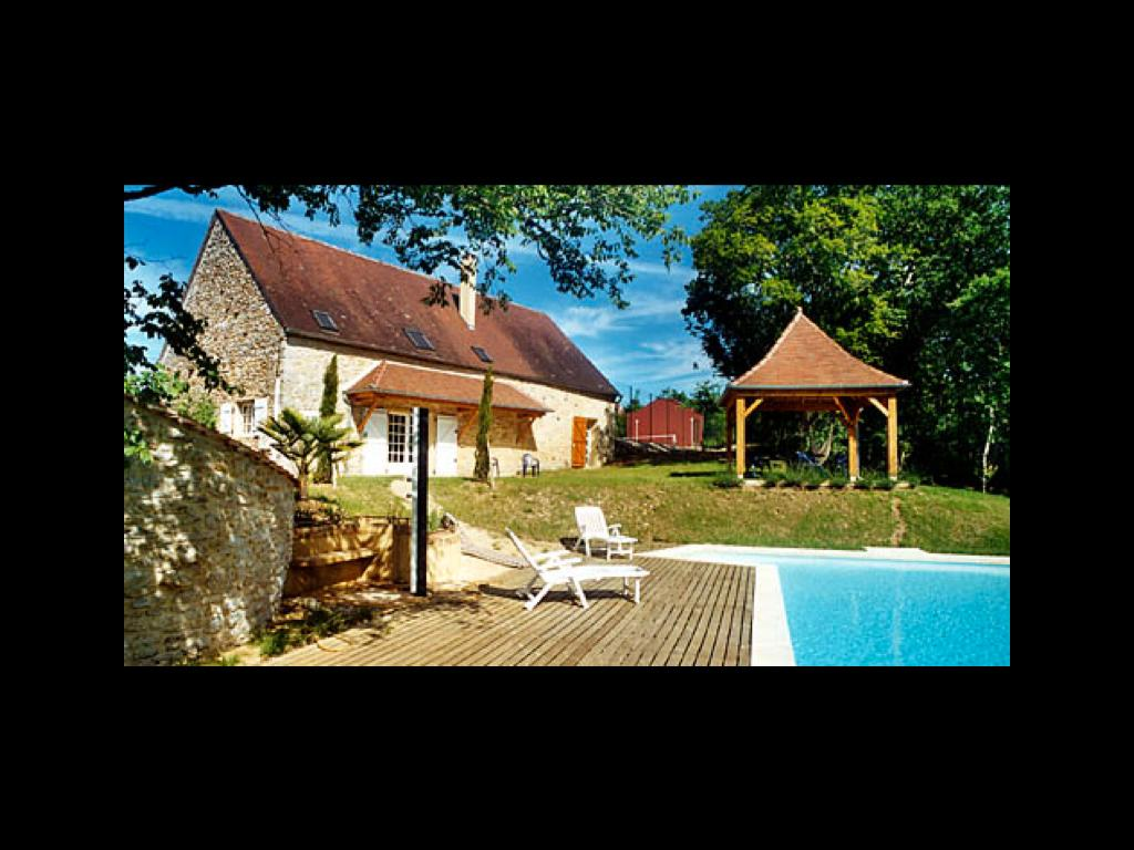 Maison typique  avec piscine & tennis