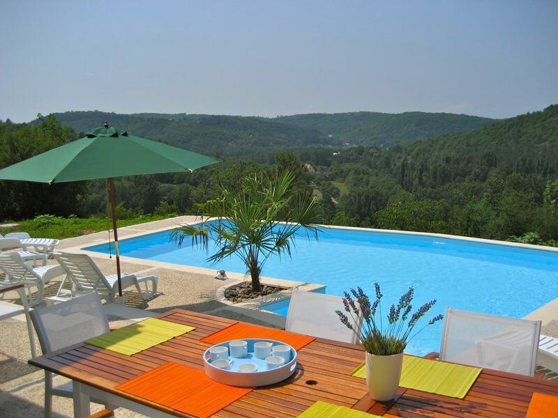 Location piscine chauffée8 personnes: La Franquie